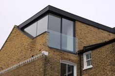 VC loves this detail Loft Conversion Extension, Dormer Loft Conversion, Roof Extension, Loft Conversions, Extension Ideas, Attic Loft, Loft Room, Bedroom Loft, Bungalow Extensions