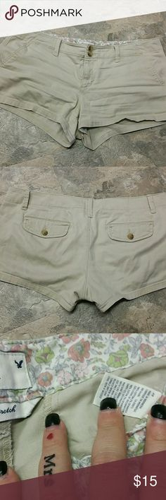 American Eagle khaki shorties!! EUC AR Shorties size 12 stretch! American Eagle Outfitters Shorts