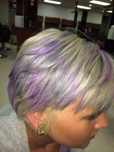 Grey Hair With Purple Highlights, Purple Grey Hair, Gray Hair, Funky Hair Colors, Cool Hair Color, Hair Colour, Mom Hairstyles, Funky Hairstyles, Summer Hairstyles