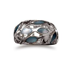 Shell and silver ring  by Moonlight Mining