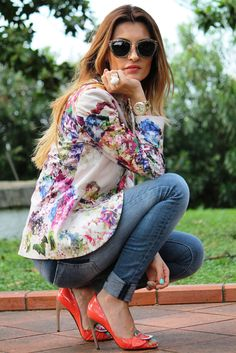 floral blazier, jeans and a pop of color