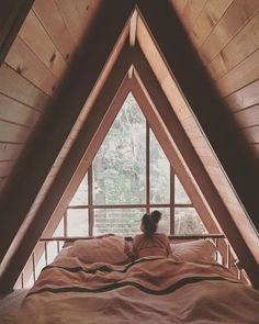 36 Ideas For Bedroom Loft Modern Tiny House Best Tiny House, Modern Tiny House, A Frame Cabin, A Frame House, Bedroom Loft, Dream Bedroom, Upstairs Bedroom, A Frame Bedroom, Night Bedroom