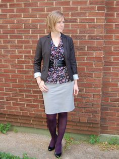 Dark florals and grey pencil skirt, purple tights - sneaky pop of color. Use with neutrals to avoid looking too childish Grey Pencil Skirt, Gray Skirt, Pencil Skirts, Purple Tights, Colored Tights, Modest Dresses, Modest Outfits, Work Fashion, Skirt Fashion
