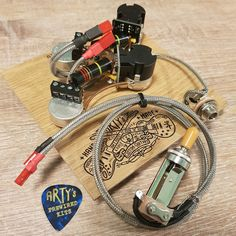 Custom Guitars, Gibson Les Paul, Vintage Paper, Two By Two, Wire, Twists, Make It Happen, Cable
