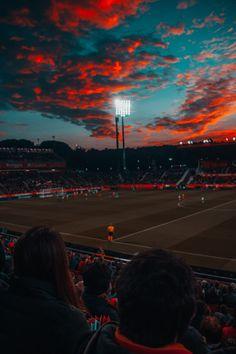 Soccer field under red sky Football Stadiums, Football Soccer, Street Football, Soccer Stadium, Benfica Wallpaper, Parions Sport, Soccer Backgrounds, Soccer Photography, Soccer Motivation