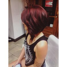 Vivid red highlight with drastic invert bob