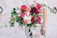 A lesson in individuality, the latest editorial shoot by Brisbane photographer Brooke Adams explores three different but equally effortless bridal styles. Teaming up with Rose Apple Flowers and The Events Co, Brooke Adams pairs each look with a complementary bouquet while makeup artist Tanielle Jai dabbles in every look, from glowing skin to a subtle …