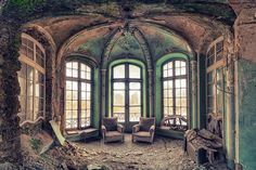 abandoned mansion ~ I just cannot understand why these buildings are left to rot!