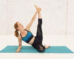 no te pierdas el artículo de #CarlaSánchez en la revista @womenshealthesp acompañado de una práctica de yoga de #Aomm.TV ¡El precioso outfit es de #LornaJane! <3