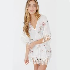 Hibiscus floral robes are bridesmaids robes with fringe detailing. They are chic, cute and a trend-forward unique bridesmaid robe alternative and bridal robe option. Pregnant Bridesmaid, Bridesmaid Robes, Mix Match Bridesmaids, Plum Pretty Sugar, Bridal Party Robes, Wedding Matches, Dream Dress, Hibiscus, Bee