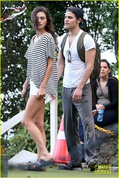 Paul Wesley & Phoebe Tonkin Look So Cute Together in Rio!: Photo Paul Wesley and Phoebe Tonkin are in great spirits while visiting Pedra Bonita at Tijuca National Park on Friday (May in Rio de Janeiro, Brazil. The two actors… Vampire Diaries Stefan, Vampire Diaries Funny, Vampire Diaries Cast, Vampire Diaries The Originals, Paul Wesley Phoebe Tonkin, Paul And Phoebe, Damon And Stefan Salvatore, The Salvatore Brothers, Down South