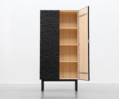 'Havet' cabinet by Snickeriet Dailytonic