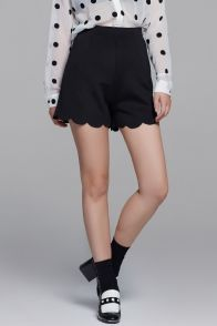 Shorts with scallop hem and high waist