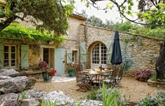 "Le Pavillon"" truly is a delight. Hidden in the countryside amongst natural surroundings, with views of Menerbes village where one can walk to and from with ease."