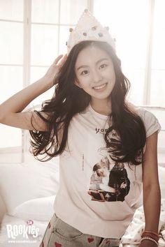 SM's new girl group Yoona, Snsd, Korean Women, Korean Girl, Smrookies Girls, Sm Rookies, Big Little, Red Shirt, New Girl