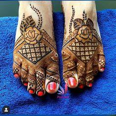 Rose Mehndi Designs, Basic Mehndi Designs, Henna Tattoo Designs Simple, Latest Bridal Mehndi Designs, Henna Art Designs, Mehndi Designs For Beginners, Wedding Mehndi Designs, Mehndi Designs For Fingers, Dulhan Mehndi Designs