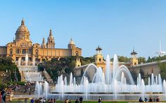 Barcelona Spain Attractions   The Palau Nacional and Font Magica, or 'Magic Fountain'