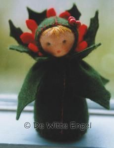 Finished doll size: These charming little dolls will capture your heart! Each doll kit contains enough jersey, felt, wool and thread to complete your ow Holly Dolly, Christmas Holidays, Christmas Crafts, Deco Table Noel, Clothes Pegs, Flower Fairies, Waldorf Dolls, Felt Dolls, Xmas Ornaments