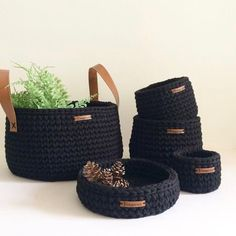 The simplest Crochet Wicker and basket models Diy Crochet Basket, Crochet Box, Crochet Basket Pattern, Knit Basket, Rope Basket, Basket Weaving, Knit Crochet, Crochet Patterns, Crochet Home Decor