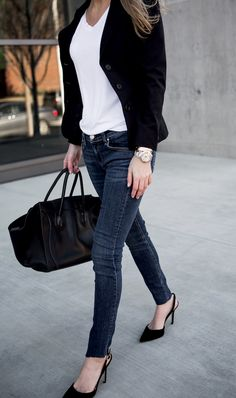 I love the classic look of a simple black blazer and skinny jeans. It is sophisticated and so easy to look pulled together for meetings, lunches or dinner.