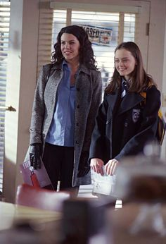 Gilmore Girls S02 E14 - It Should've Been Lorelai