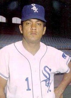 16- Ángel Bravo (nacido el 4 de agosto 1942) fue el Venezolano numero 16 en llegar a las grandes ligas con los Medias Blancas de Chicago el 6 de junio de 1969.