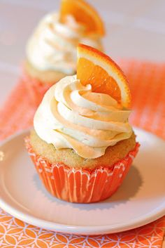 Orange creamsicle cupcakes {Gluten-Free, Vegan}