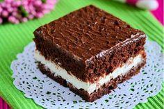 Vynikající a lahodný koláč s příchutí Nesquik-a. Poleva z čokolády, cukru a zakysané smetany dodá koláči luxusní chuť. Healthy Dessert Recipes, Baking Recipes, Macedonian Food, Oreo Cupcakes, Cake Bars, Something Sweet, Sweet And Salty, Homemade Cakes, Creative Food