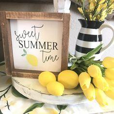 When life gives you lemons make lemonade sign, lemon sign, summer sign, spring sign , PRE ORDER Lemonade Sign, Lemon Kitchen Decor, Kitchen Ideas, Summer Signs, Summer Kitchen, Country Farmhouse Decor, Farmhouse Table, Spring Sign, Lodge Decor