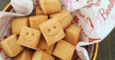 ザクザク食感がクセになる米粉の100%の厚焼きクッキーです。きな粉の香ばしさと素朴な味が後をひきます。卵、乳製品不使用。 Sweets Recipes, Baby Food Recipes, Baking Recipes, Snack Recipes, Snacks, Rice Flour Recipes, Gluten Free Sweets, Food Humor, Vegan Desserts