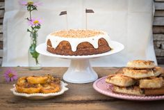 Frango do Campo: carrot cake with cream cheese frosting