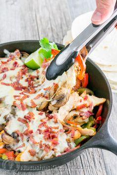 Chicken and Mushroom Fajitas – A Copycat Recipe for Chilis Restaurant Fajitas. So GOOD!! @natashaskitchen