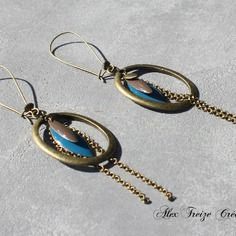 Bijou créateur - boucles d'oreilles dormeuses bronze pendentifs créoles gouttes antiques breloques sequins émaillés bleu et taupe