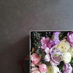 「...수업 불참으로 보관 중  #specialday #onedayclass #flowerarrangement #whiteday #flower #box #2016mar #harangdeco」
