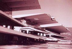 @ArquitecturaVzl Un 5 de Julio de 1959 se inauguró en Caracas, el Hipódromo de la Rinconada.