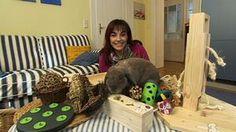 Diana Eichhorn stellt Kaninchenspielzeuge vor