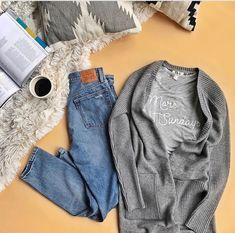 Love the jeans, T-shirt and cardigan!