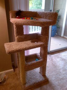 DIY - Kitty scratching post and bed, Diy Pallet Bed, Diy Bed, Diy Cat Scratching Post, Diy Cat Tree, Cat Trees, Woodworking Projects, Diy Projects, Project Ideas, Cool Shower Curtains