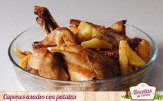 """Capones asados con patatas al romero -  Los capones no son habituales en mi cocina, mucho mas acostumbrada al pollo de corral. Sin embargo y como dice el refrán, """"una vez al año no hace daño"""". El pasado fin de semana prepare capones asados con patatas al romero, un plato muy sencillo pero sabroso de los que gustan a casi t... - http://www.lasrecetascocina.com/capones-asados-patatas-al-romero/"""