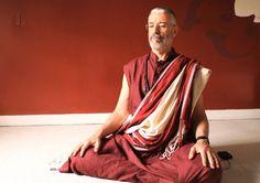 """Meditar  """"Aprender a meditar é o maior presente que você pode se dar nessa vida.""""  –Sogyal Rinpoche"""
