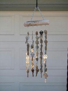 Garden Art Ideas Wind Chimes Old Keys 19 Ideas Mobiles, Carillons Diy, Diy Wind Chimes, Shell Wind Chimes, Old Keys, Deco Originale, Keys Art, Recycled Art, Suncatchers