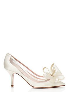 4fb1cf1e8 Bridal Shoes   Dresses - Happy Finds for Your Happiest Day