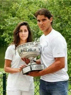 RN & Maria, although not smiling here, they make a lovely couple :) Tennis Rafael Nadal, Rafael Nadal Fans, Rafa Nadal, The Prince Of Tennis, Raging Bull, Keep The Faith, He Is Able, Roger Federer, Wimbledon