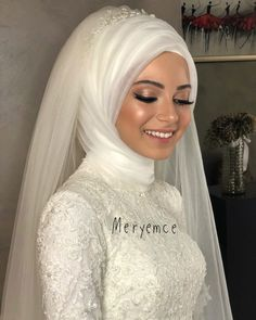 Image may contain: 1 person, wedding - Hochzeitskleid Muslimah Wedding Dress, Hijab Wedding Dresses, Wedding Gowns, Hijabi Wedding, Hijab Fashion, Fashion Dresses, Simple Hijab, Bridal Hijab, Make Up Braut