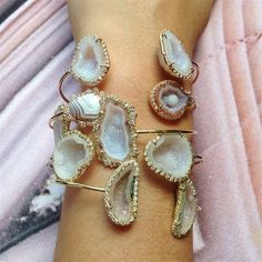 How amazing are these geode bracelets?! In love. #LoveGold
