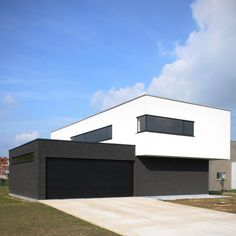 Minimal Architecture, Garden Architecture, Contemporary Architecture, Architecture Design, House Cladding, Facade House, Arch House, House Front, Modern House Design