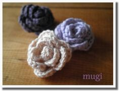 「カンタンに出来るちっちゃな巻きバラ♪」巻きバラの作り方はいろいろと出ていますので今さらな感じですが(笑)自分の好きな大きさと花びらの枚数でアレンジしました♪覚書用です^^[材料]中細糸