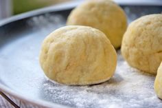 Omas Erdäpfelteig - Rezept | GuteKueche.at Tortellini, Austrian Recipes, Bread Baking, Hamburger, Food And Drink, Butter, Cooking, Ravioli, Kitchens