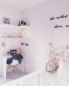 Nice Deko Ideen Schlafzimmer Accessoires that you must know, You?re in good company if you?re looking for Deko Ideen Schlafzimmer Accessoires Cute Bedroom Ideas, Trendy Bedroom, Bedroom Themes, Girly Bedroom Decor, Teenage Room Decor, Teenage Bedrooms, Nursery Ideas, Dream Rooms, Dream Bedroom
