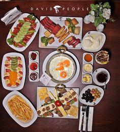Şubelerimize gelin,güzel bir kahvaltı ile sabahlarınıza anlam katalım.. Günaydın! :) #davidpeople #IndulgeYourself